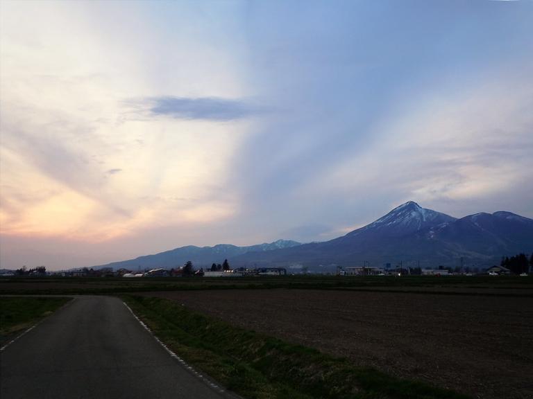 磐梯山と夕暮れ@猪苗代湖.jpg